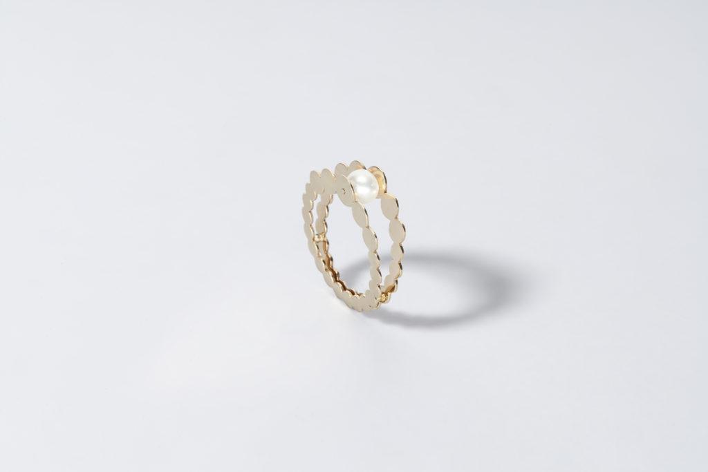 Anello in oro giallo 18KT con perla akoya bianca (diametro 5 MM) - Entre Nous