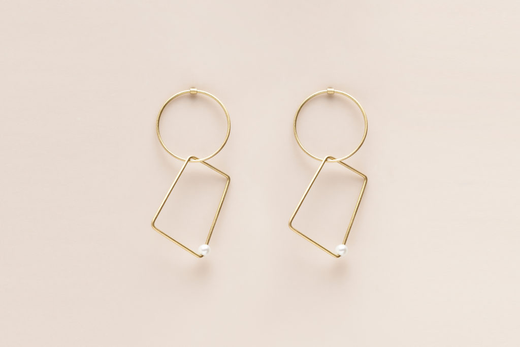 18KT yellow gold hanging earrings with freshwater pearl - Cerchio Trapezio