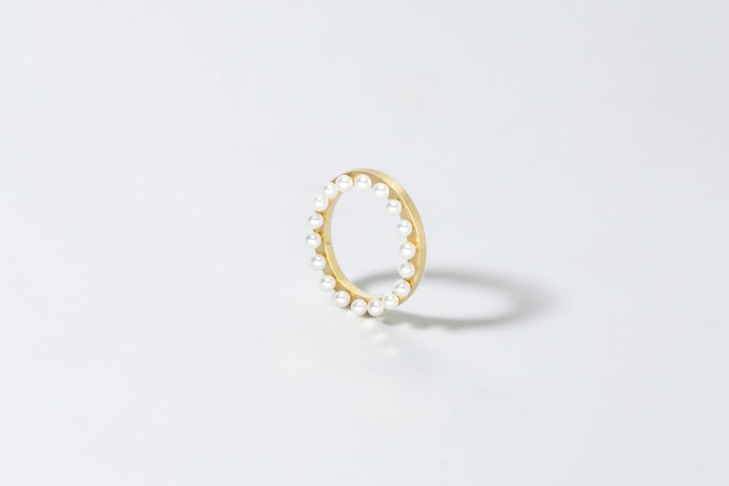 Anello in oro giallo 18KT con perle di acqua dolce - Cornice