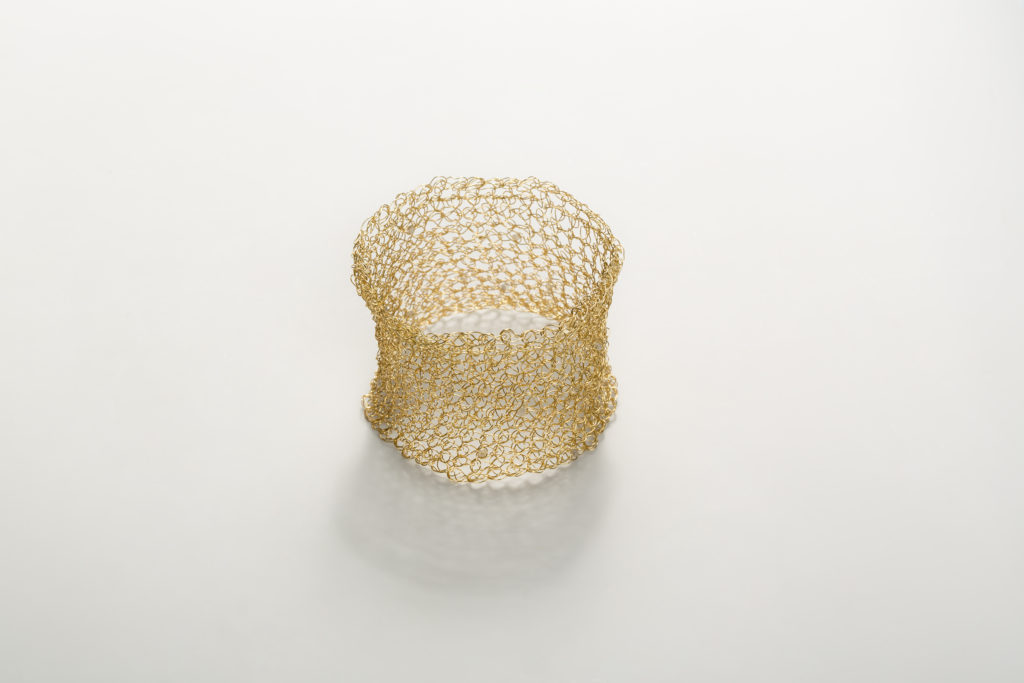 18KT yellow gold cuff bracelet – Mesh