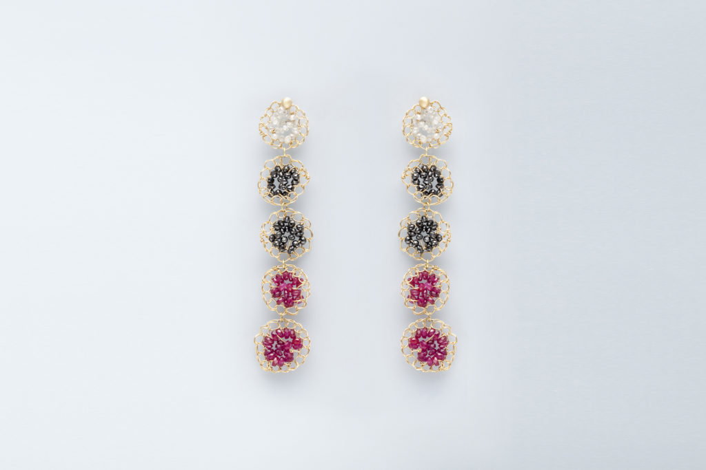 18KT yellow gold earrings with rubies and grey and black diamonds - Mosaico Frammenti