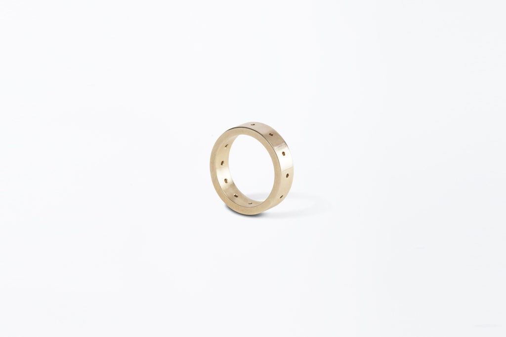 18KT yellow gold wedding ring - Holes