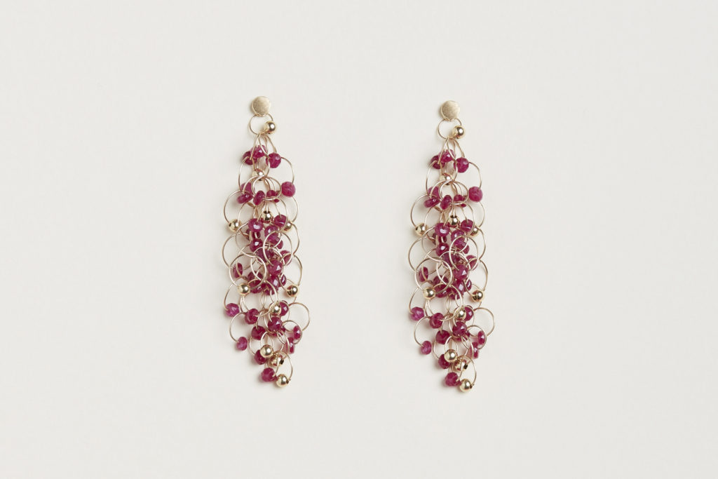 18KT yellow gold earrings with rubies – Infinito E