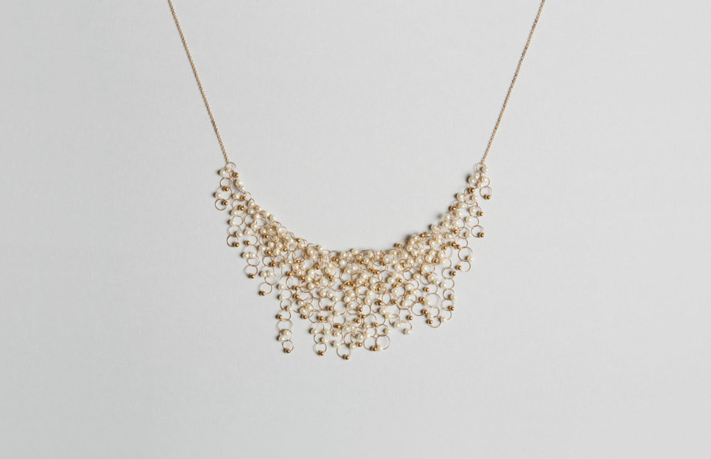 18KT Yellow Gold Necklace with Freshwater Pearls - Infinito N